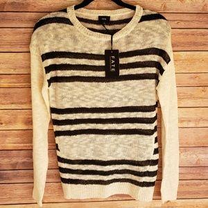 Fate Small Black and Cream Crew Light Sweater NEW